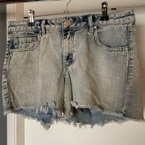 like new Refuge light denim blue jean shorts 6/$14